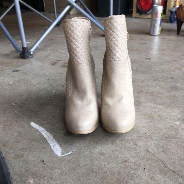 Cream Heels Size 9 1/2 -10