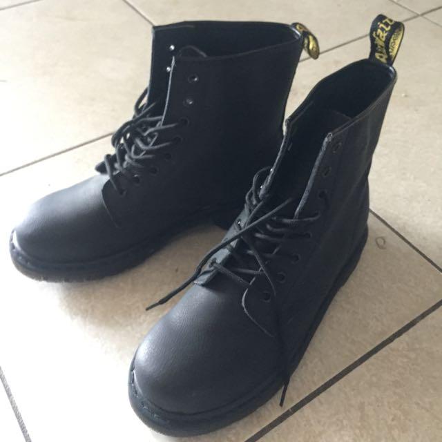 Dr Martens Unisex 1460Z Black Leather Boots