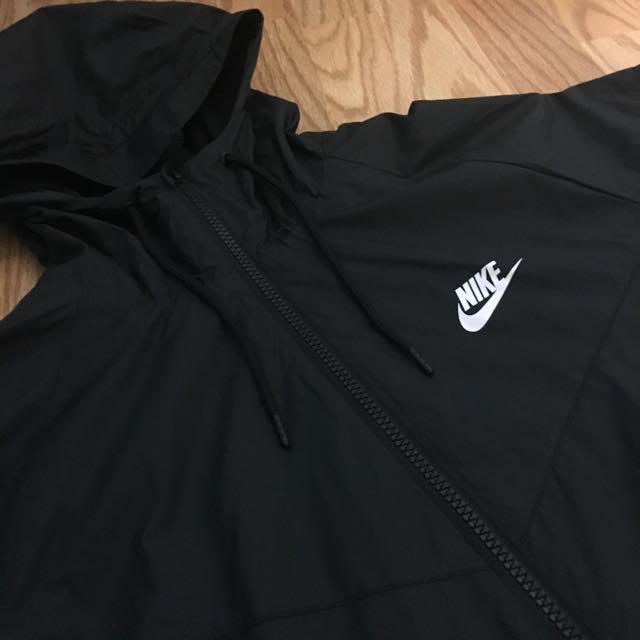 Nike Black Windbreaker Men's Medium