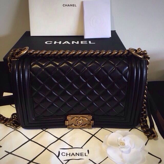 PRICE REDUCED/ MAKE AN OFFER/ NEGOTIABLE CHANEL BOY BAG