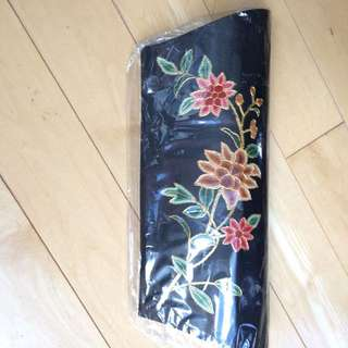 Elegant Silk Purse