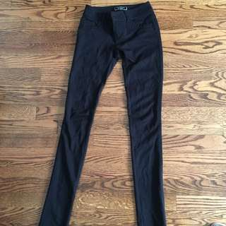 Guess Black Skinny jegging With Dimond Design