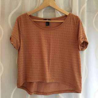 ON HOLD Tshirt / Top / Crop Top - H&M -size S