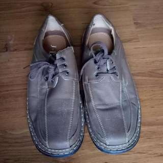 Throw Away Price! Unbranded Shoes From Kuwait