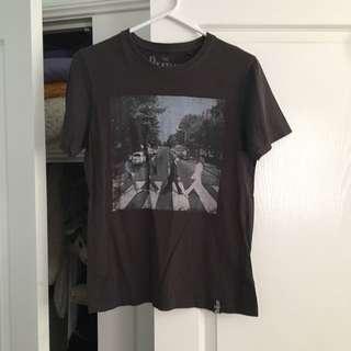 Abbey Road Beatles Shirt - S