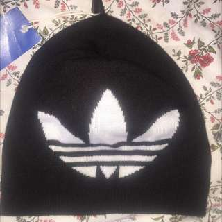 Adidas beanie TAG STILL ON