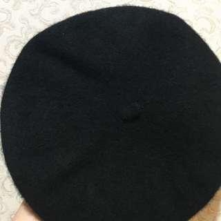 黑色貝雷帽