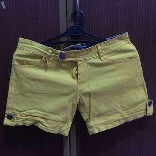 Hot Pants Yellow