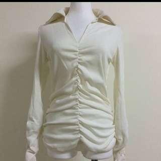 純色V領抓皺設計棉質上衣#好秋服飾