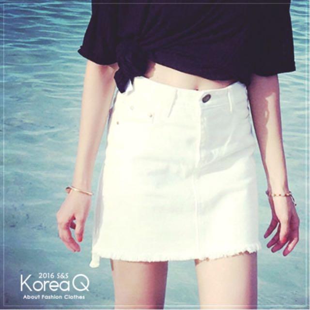 <轉賣> Korea Q 前短後長毛邊白色短裙