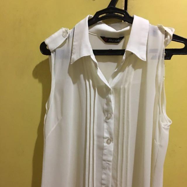 BAZAAR FIND White Blouse