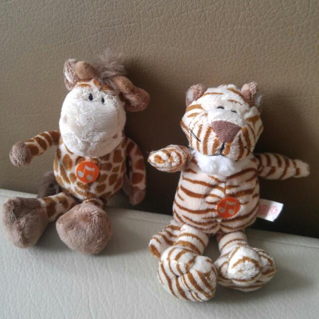 Boneka Jerapah Dan Tiger Minu