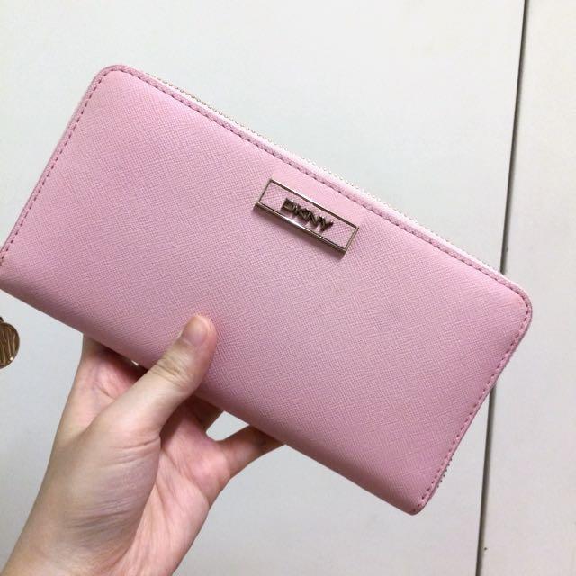 DKNY 淡粉紅色長銀包