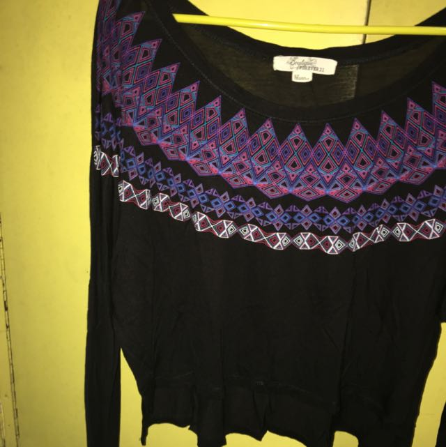 FOREVER 21 Patterned Midriff Top