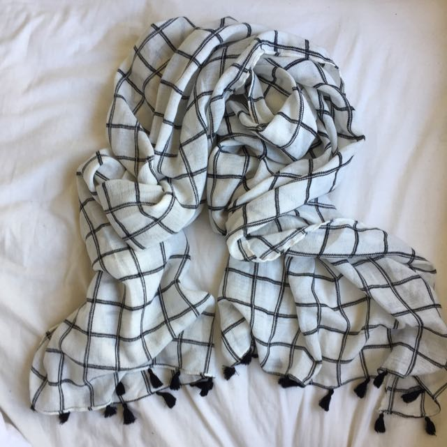 Glassons White/black Checkered Scarf