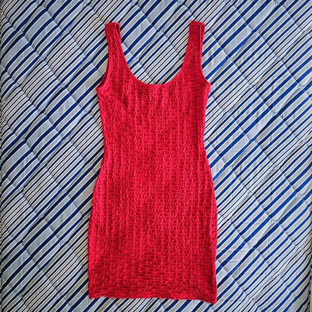 H&M Fitted Dress. Size 32.