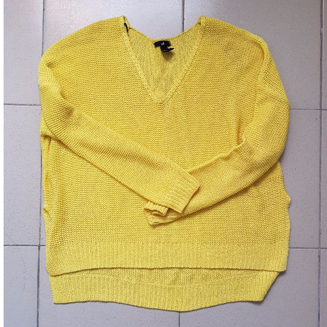 H&M v-neck yellow knit sweater