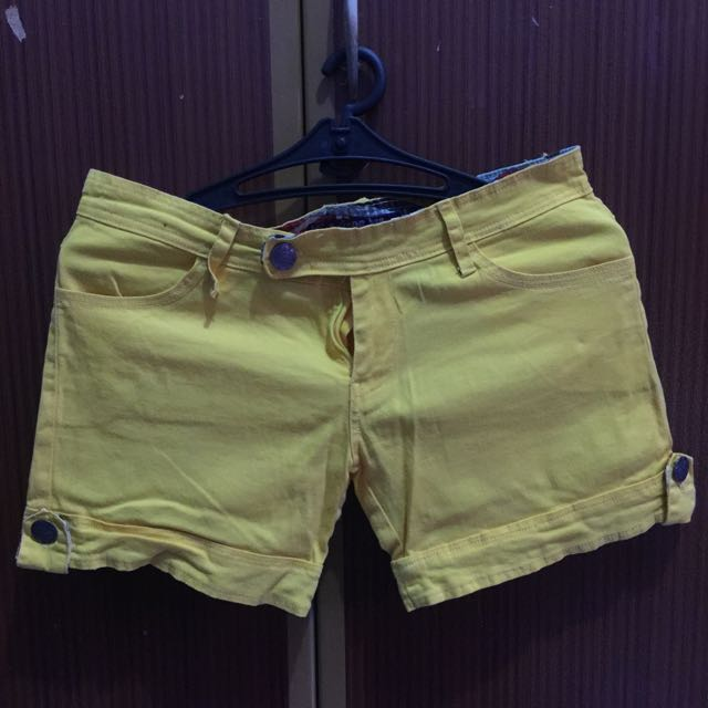 Hot Pants Yellow