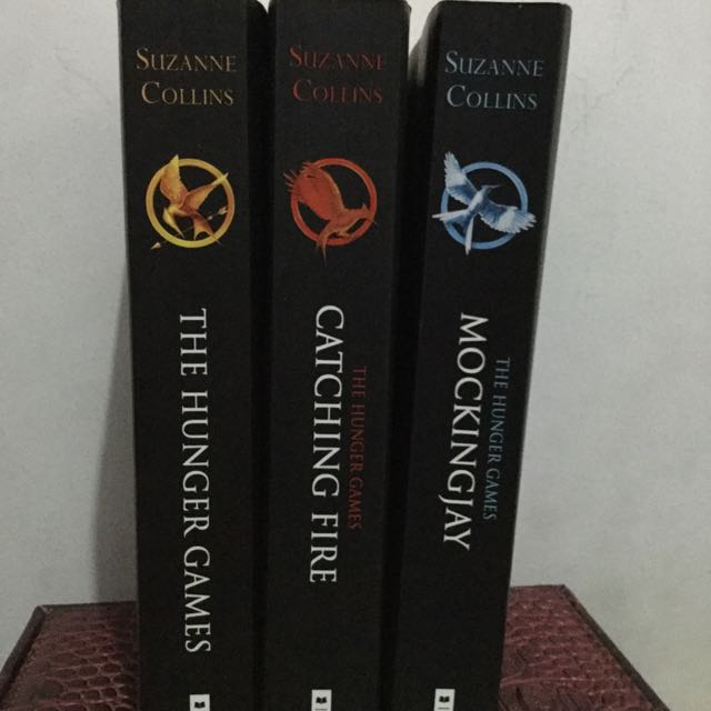 Hunger Games [TRILOGY] - Suzzane Collins