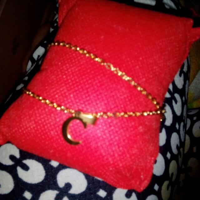 initial ''C'' necklace