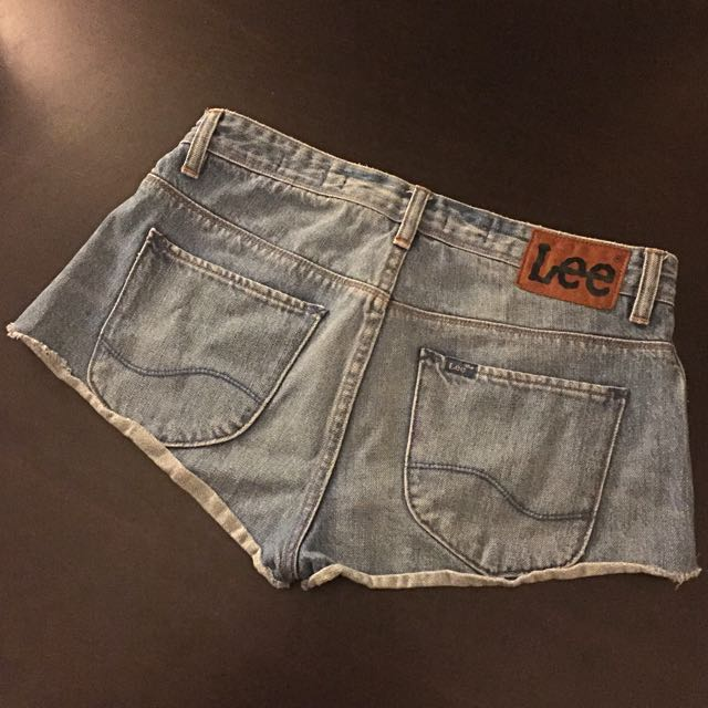 LEE Short Skinny Betty Distressed Cut Off Denim Shorts
