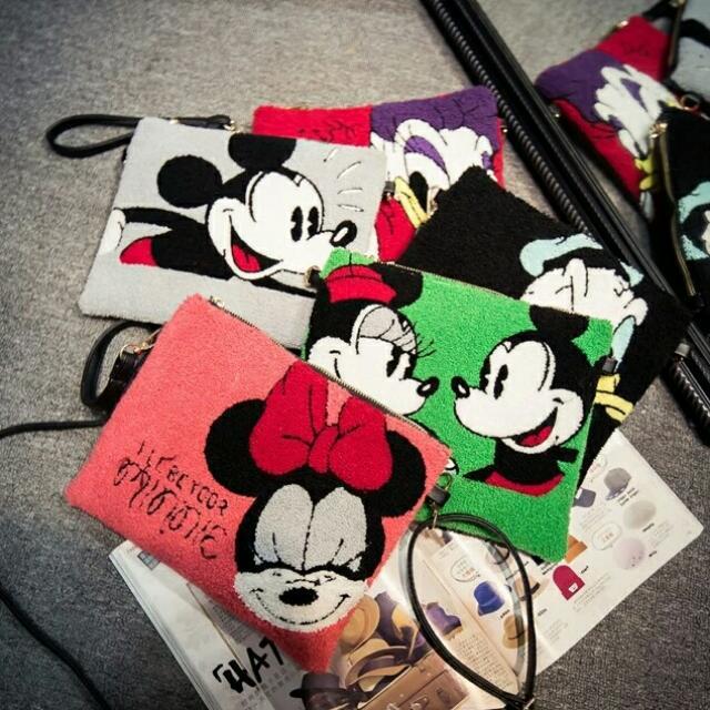 Mickey Minnie Pouch