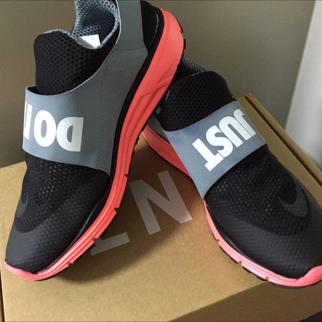 c5e5e60a96e Nike Lunarfly 306 Black Magnet Grey Hyper Punch