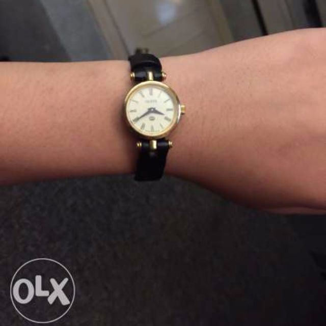 86f63cc0d62 Original Gucci 18k gold plated women s watch
