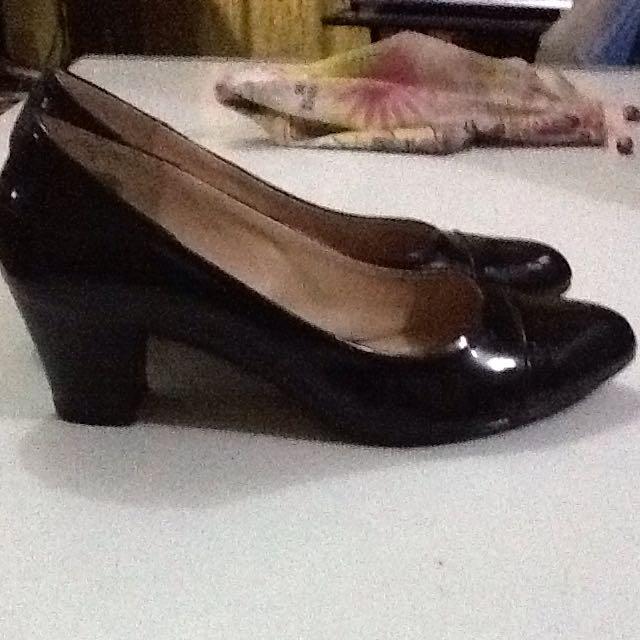 REPRICE! Parisian Shoes