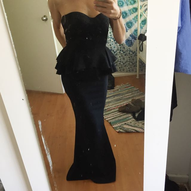 Sheike Fitted Formal Dress Black Strapless Mermaid Peplum