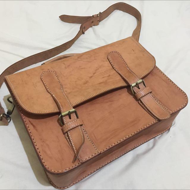 Tas Kulit / Postman Bag / Full-Up Leather Bag
