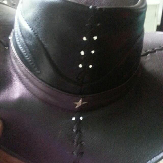 Topi Cowboy Kulit Asli