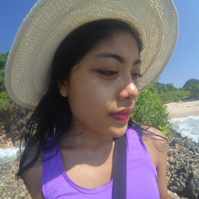 Topi Pantai Rajut
