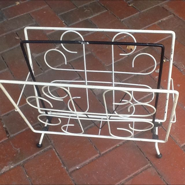 Vintage Retro Black/white Magazine Rack.