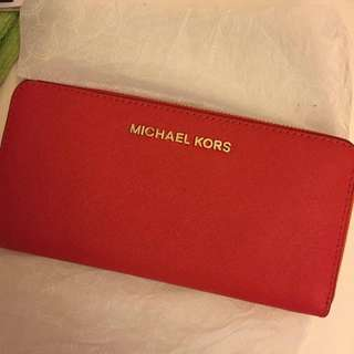 Brand new Authentic MK large Jet set wallet