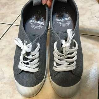 SHOOPEN休閒布鞋