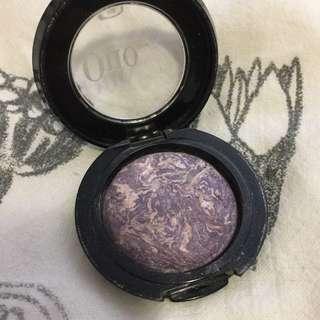 QUO Lilac Eyeshadow