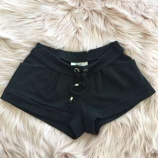 LOVER shorts with drawstrings