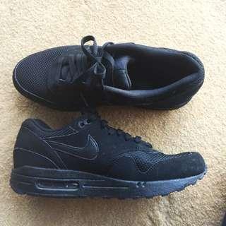 Black Nike Air