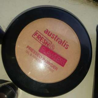 Australis Fresh And Flawless Pressed Powder (Darkest Tan) , Australis Foundation In Tan, Authentic MAC Lippy Used. Highlight/ Contour Sculpting Kit