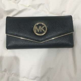 Michael Kors Wallet *ON HOLD*