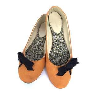 Flat Shoes Symbolize