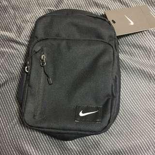 Nike 小背包