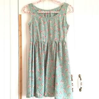 日本品牌 超美湖水綠蕾絲拼接小碎花腰身抓皺顯瘦雪紡洋裝 #好秋服飾