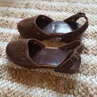 Vintage Italian Leather Clogs Boho Hippy 7.7.5