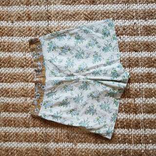 Fabled And True Shorts Size 8 Vintage Fabric Boho Patterns
