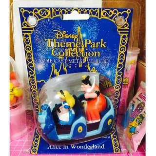 迪士尼 愛麗絲夢遊仙境 樂園合金車 紅心皇后 毛毛蟲