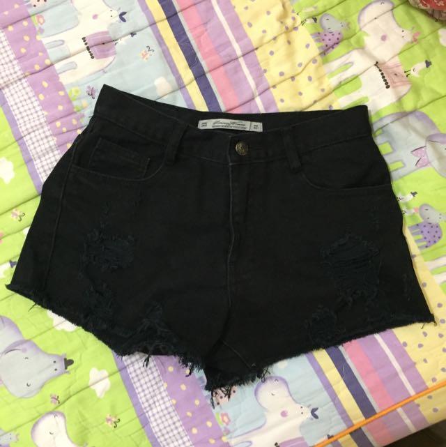 黑色刷破短褲