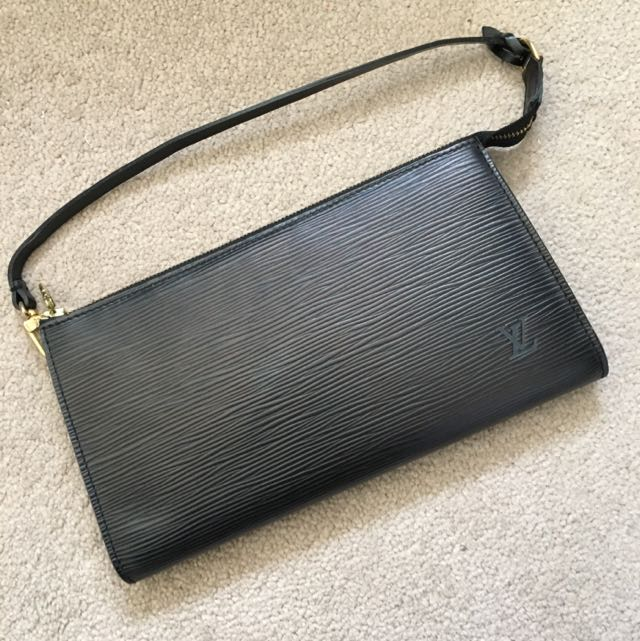 REDUCED PRICE AUTHENTHIC LOUIS VUITTON CLUTCH