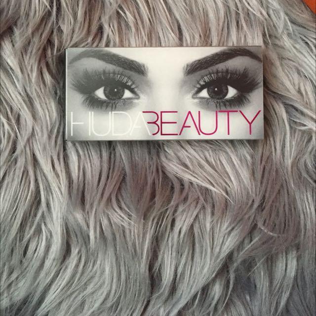 Authentic Huda Beauty Sasha #11 Lashes